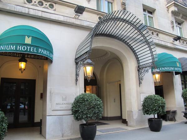 classic glamour at millennium hotel paris opera. Black Bedroom Furniture Sets. Home Design Ideas
