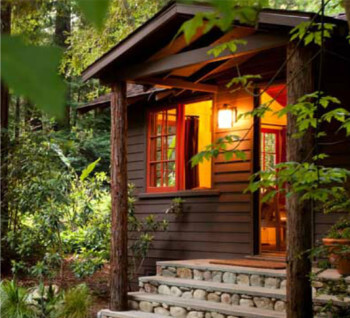 Big Sur cabin at Glen Oaks. Eco-friendly in the woods.
