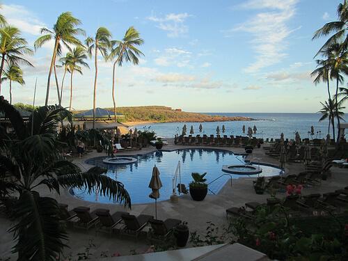 Four Seasons Lanai pool and view