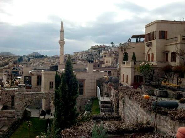 Argos, blending into the town of Uchisar