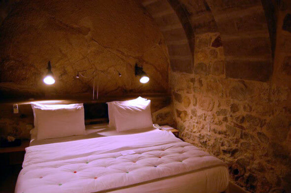 The bed in the cave room at Argos