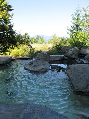 "hot tub ""Skamania Lodge"""