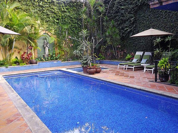 Tlaquepaque hotel with pool