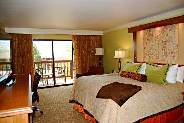 CheyenneMtnResort Room1