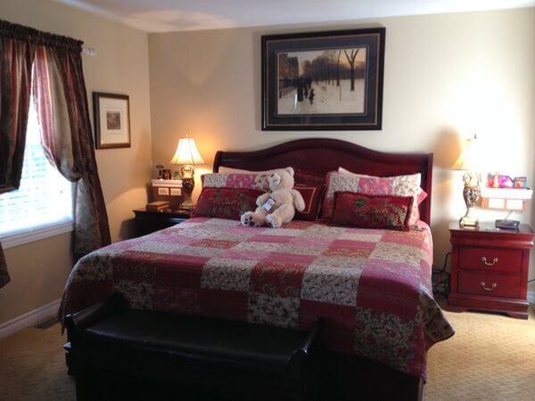 Serenity Ranch guest room, Hamilton, Ontario IMG_3056