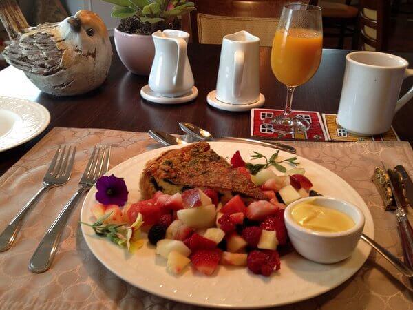 Breakfast, Serenity Ranch, Hamilton, Ontario