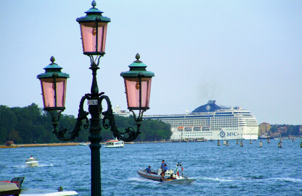 MSC Musica heading out along Venice's Grand Canal