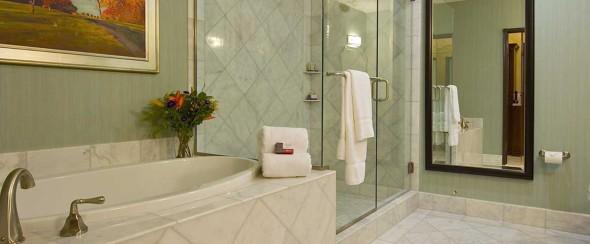 Woolley BIG_bathroom