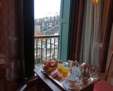 A Room with View in Venice, Italy: Albergo Galleria