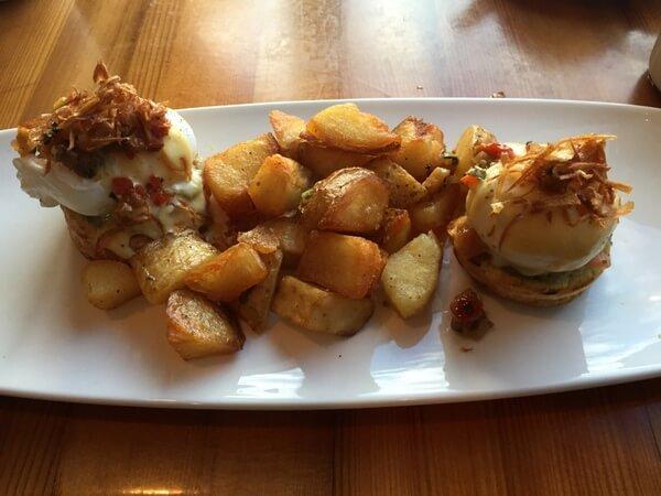 Avocado bennie, Juniper Hotel, Banff