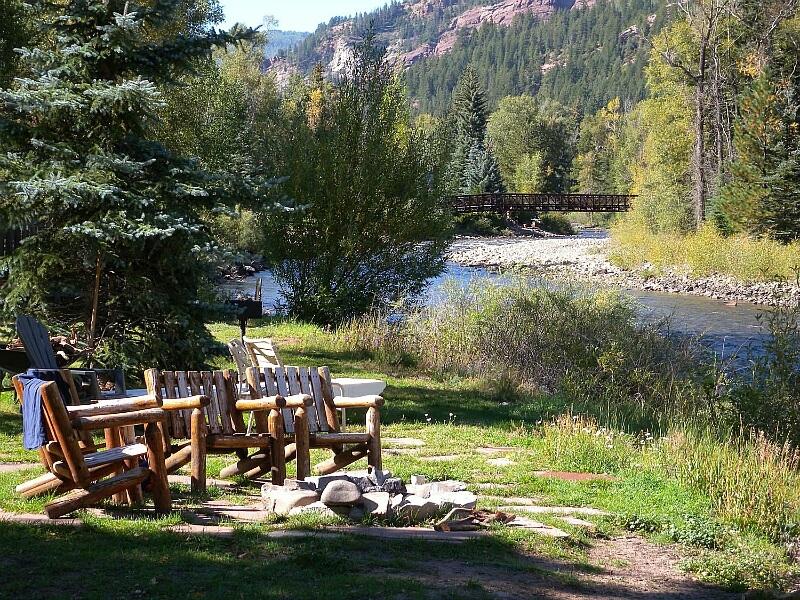 RedstoneCliffsLodgeCrystal River1