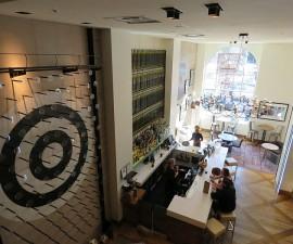 Plink Board in Lobby Hotel Zetta