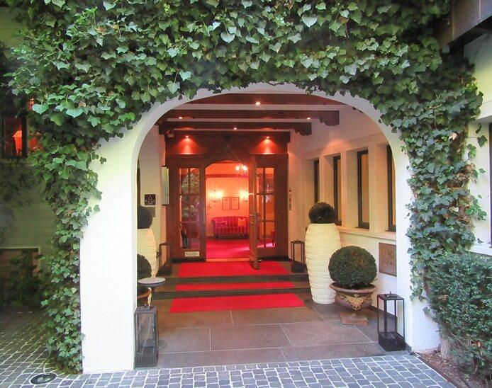Entryway at Park Hotel Sonnenhof