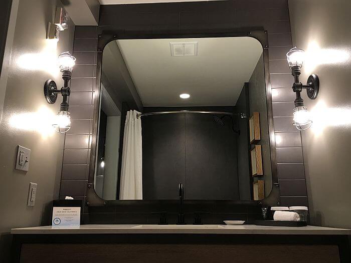 Bathroom Pier 2620 Hotel