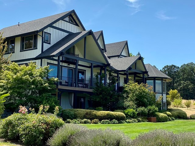 The 8-room Setting Inn Willamette Valley in Newberg, Oregon
