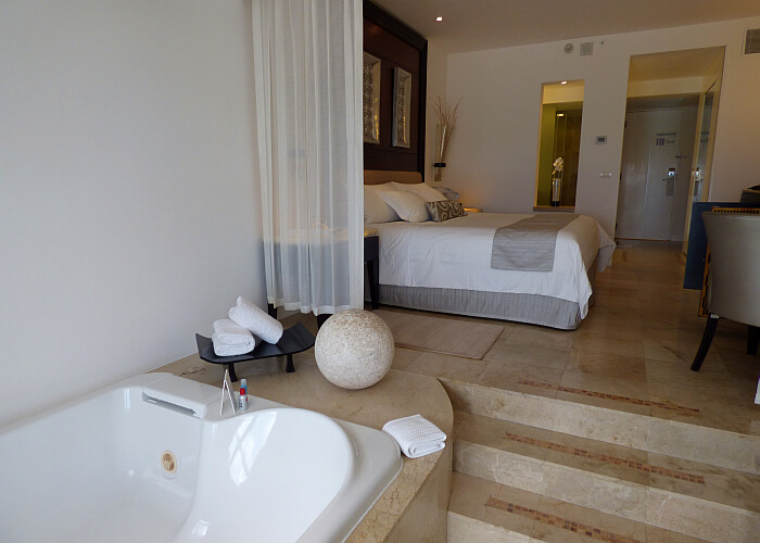 Le Blanc Honeymoon Suite