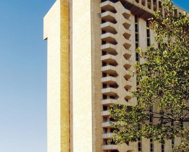 In the Heart of West Jerusalem: Leonardo Plaza
