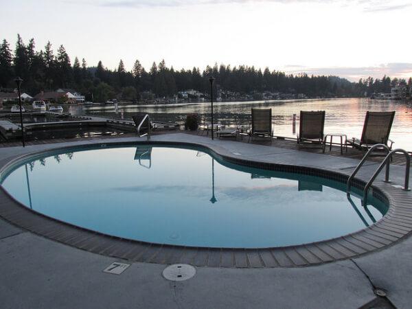 lakeshore inn, pool, lake