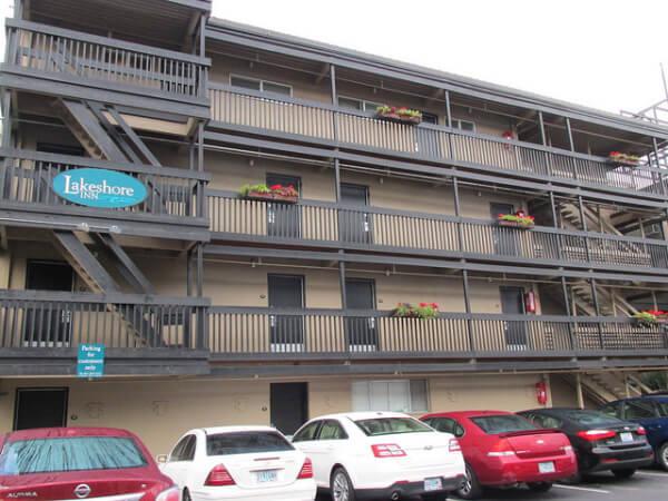 parking, lakeshore inn, lake oswego