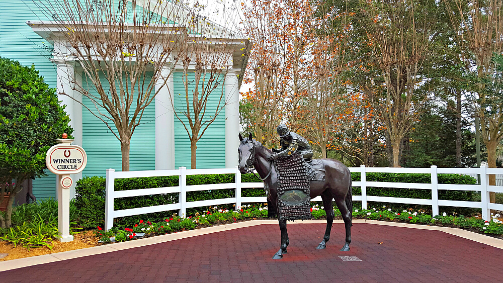 Saratoga Springs entrance -Winners Circle