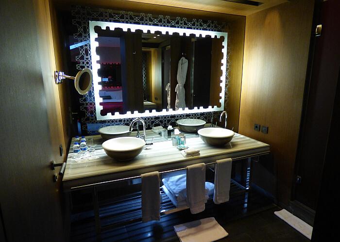 Istanbul hotel bathroom