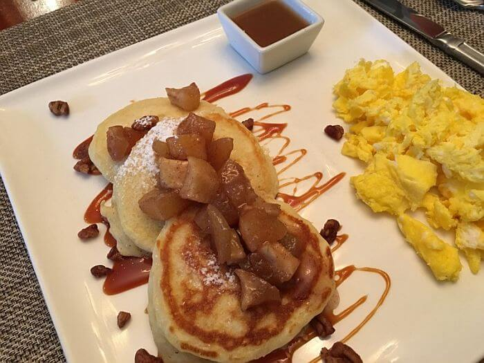 Applie Pie Pancakes, The Inn on First