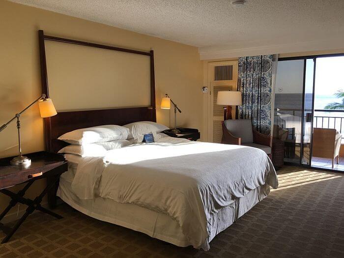Sheraton Kauai Resort Deluxe Oceanfront Room