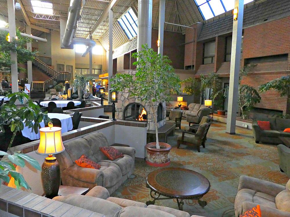 Academy Hotel Atrium Lounge