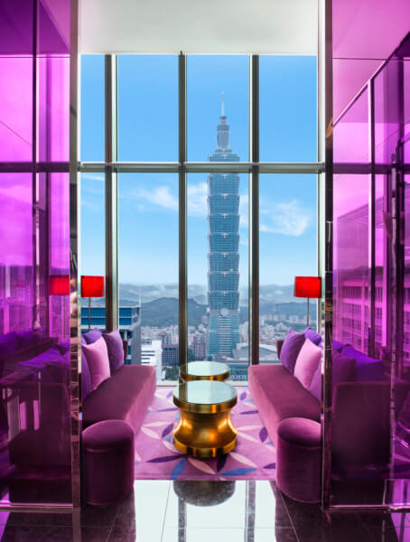 who3573re-142419-YEN Bar with Taipei 101 View