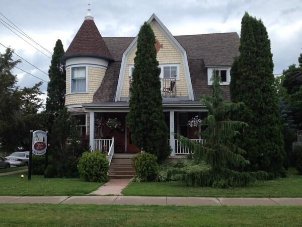 Maclean Estate B&B, Bruce Peninsula, Ontario, Canada