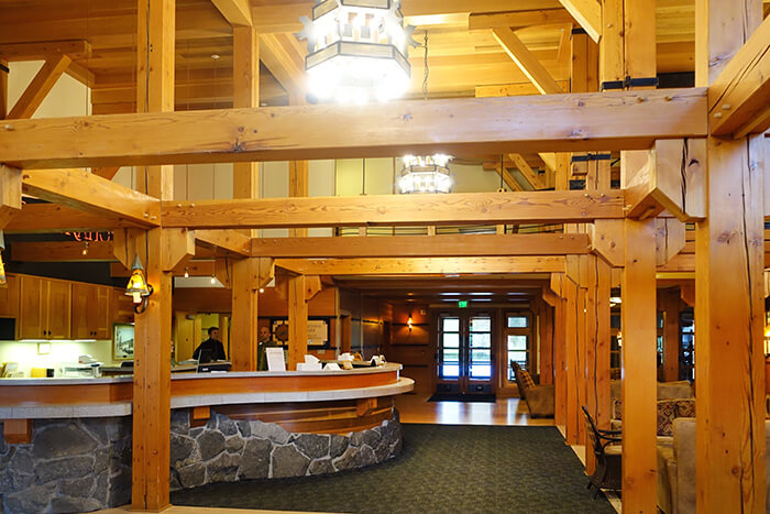 Merveilleux When Visitors Think Of Yellowstone National Park Lodgings, The Classic Old  Faithful Inn Usually Comes To Mind. And Truth Is: Old Faithful Inn Is The  Most ...