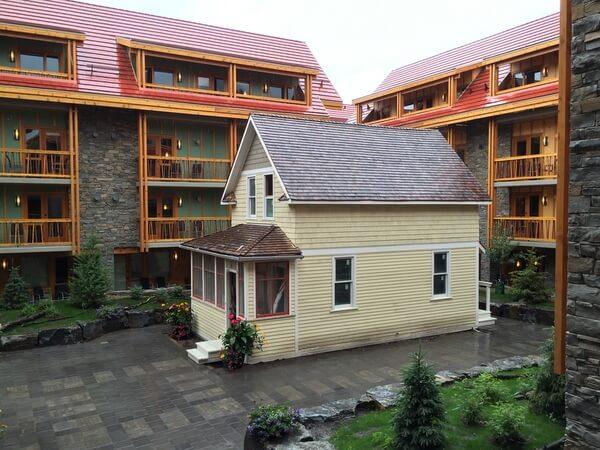 Courtyard, Moose Hotel, Banff Alberta Canada