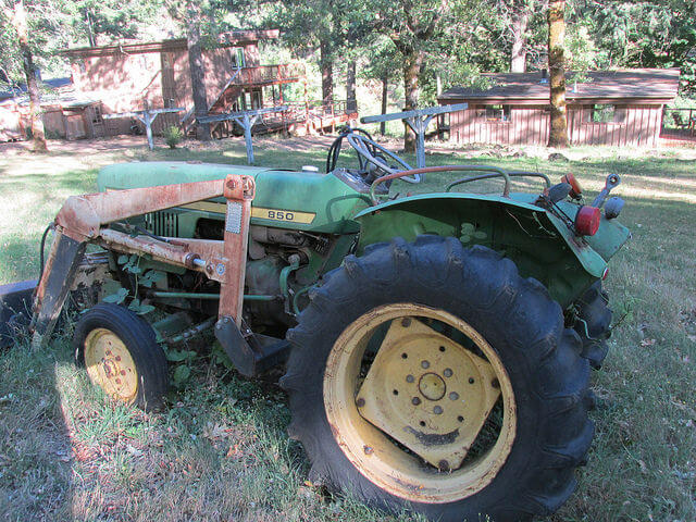 john deere tractor, paradise lodge, rogue river, southern oregon