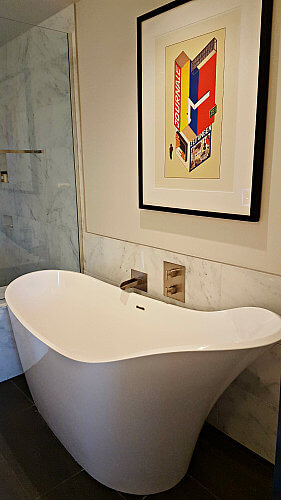 The Art Hotel Bathroom
