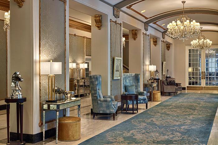 ak_yqrak_lobby_hallway-700