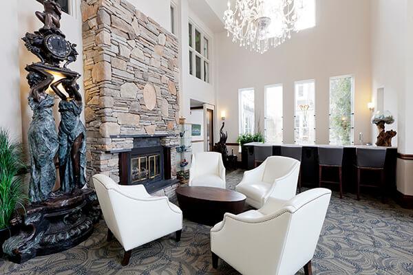 elm-hurst-inn-lounge
