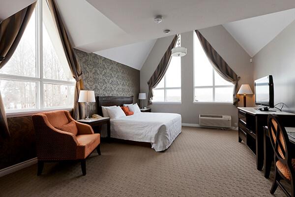 elm-hurst-inn-suite