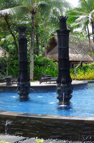 swimming pool fountains at Shangri-La Boracay resort