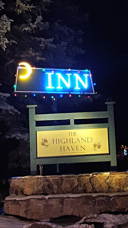 highland-haven-neon