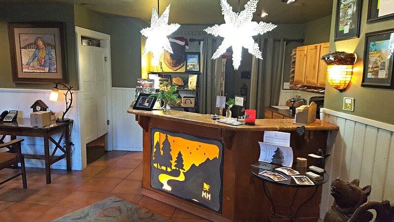 highland-haven-reception-desk