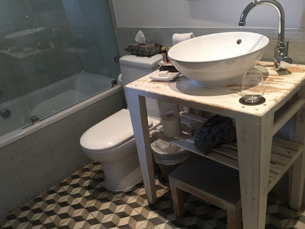 Bathroom, Palacio Astoreca, Valparaiso, Chile