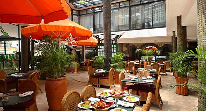 Thorn Tree Cafe in Sarova Stanley