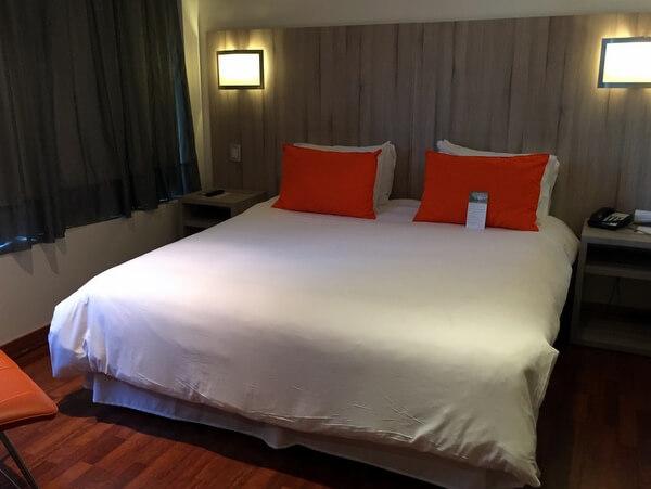 Guest room, Hotel Torremayor Providencia, Santiago, Chile