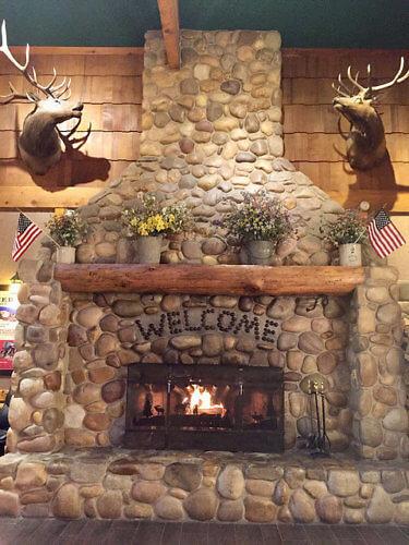 rubys inn, fireplace, hotel lobby, bryce canyon, utah, hotel