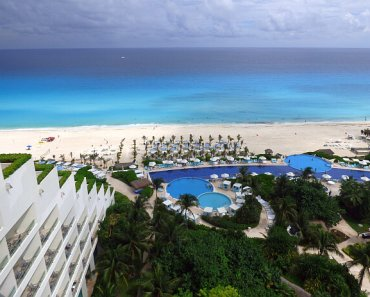Luxe Live Aqua Cancun on the Beach in Mexico