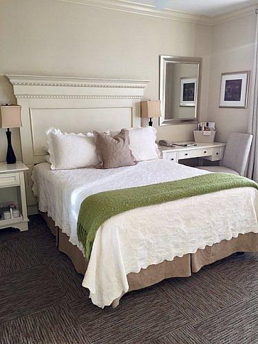 queen bedroom, hotel room, bed & breakfast, carter house inns
