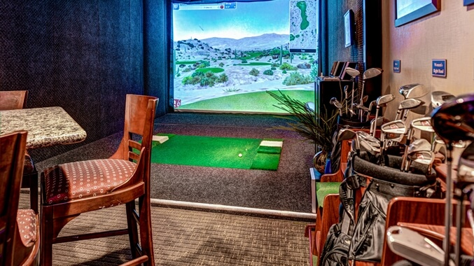DoubleTree by Hilton Seattle Airport Virtual golf course