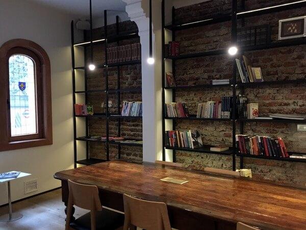 Library, Hotel Magnolia, Santiago, Chile