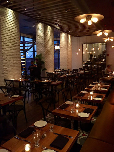 magnolia restaurant, doubletree hilton hotel new york times square west, restaurant