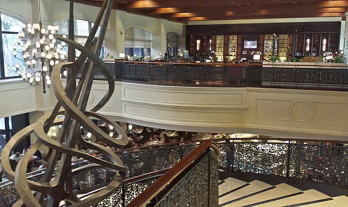Sofitel Manila Plaza lobby